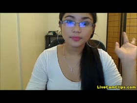 Beautiful Asian webcam dildo tease