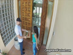 Bigtit ebony teen blows pizza guy