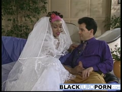 African bride pleasing white dong before wedding