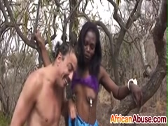 Obedient babe from Africa gives blowjob