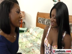 Chocolate lesbians lick and finger cunts in bedroom