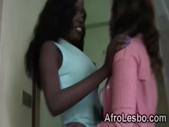 Ebony hottie Megan sucks veronicas pussy in the bathroom