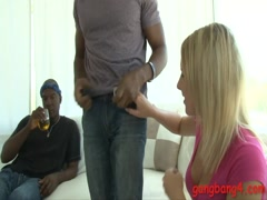 Blondie babe double penetrated by massive black dicks