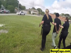 Cops Maggie And Joslyn Suck Throbbing Black Dong