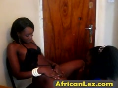 African lesbos make sweet love at home