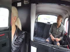 Dude flashes black cock in female fake taxi