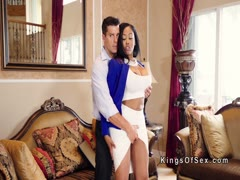 Dude bangs huge tits ebony estate agent