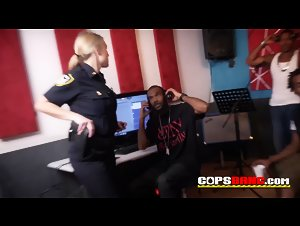 Big dicked singer briving the cops